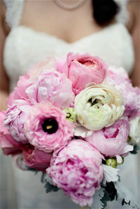diy bouquet with pink peonies garden roses and ranunculus weddingbee photo gallery
