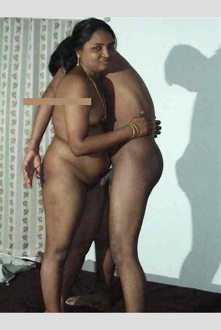Desi mallu aunty nude ho gai – Antarvasna Indian Sex Photos