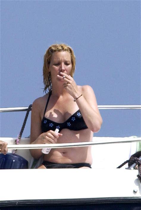 lisa kudrow bikini lisa kudrow in smoking 2003 zimbio