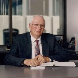 Alberta, Robert Biography