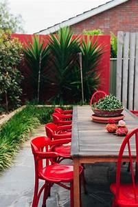 Chaise Salon De Jardin Pas Cher : comment choisir une table et chaises de jardin ~ Teatrodelosmanantiales.com Idées de Décoration