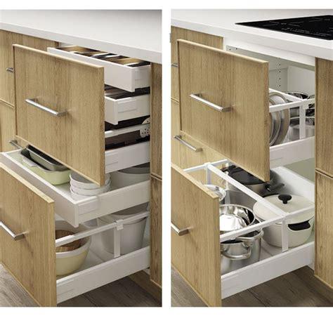 rangement couverts tiroir cuisine amnagement tiroirs cuisine tiroirs de rangement astucieux