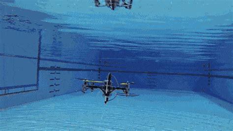 waterproof quadcopter    submarine