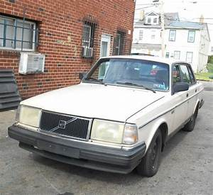 Buy Used 1987 Volvo 240 Dl 5 Speed Manual Only 150k Miles