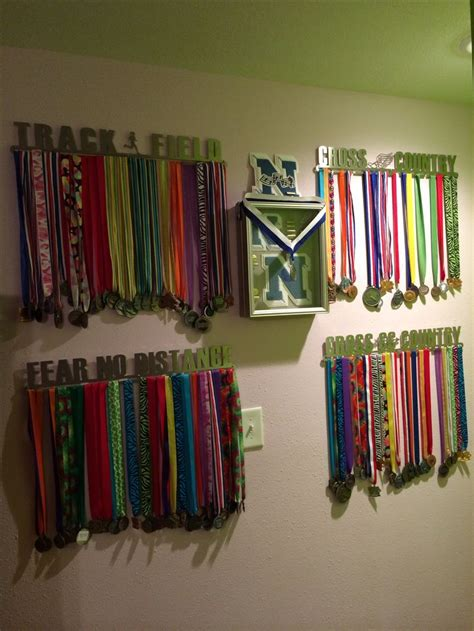 build  display case  medals woodworking projects plans