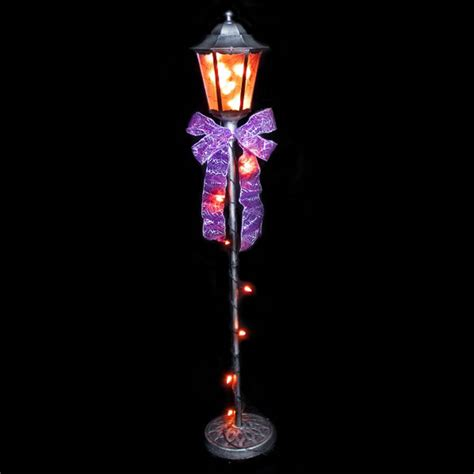 lighted halloween lamp post