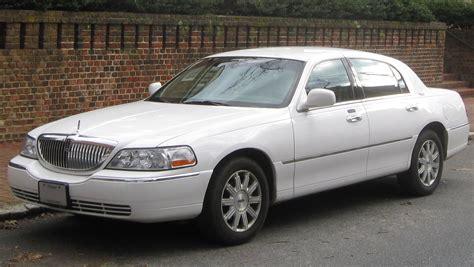 2003 Lincoln Town Car Information And Photos Momentcar