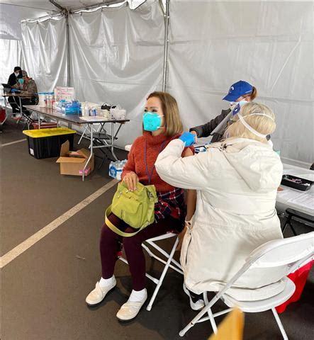 ดู 12 ภาพจากแฮชแท็ก '#ลงทะเบียนฉีดวัคซีน moderna' บน thaiphotos สยามทาวน์ข่าวแอลเอ 540 : เชิญรับอาหารผักผลไม้ฟรี 17 ก.พ. นี้