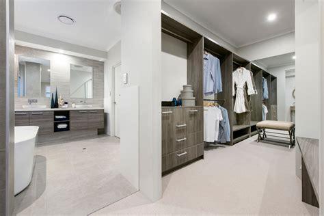 chambre des maitres moderne design intérieur agréable et moderne pour cette maison de vacances en australie vivons