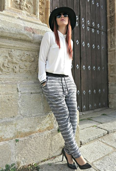 extra comfortable street style outfits  baggy pants