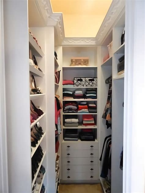 10 closet ideales para que tu dormitorio luzca despejado
