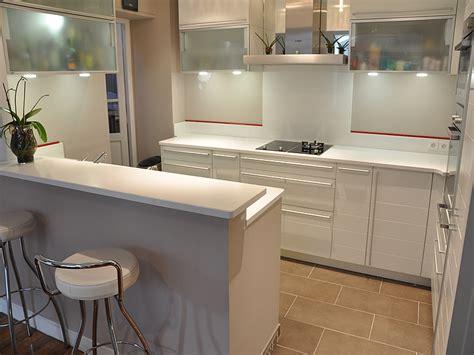 hauteur credence cuisine granits déco plan de travail en quartz unistone bianco