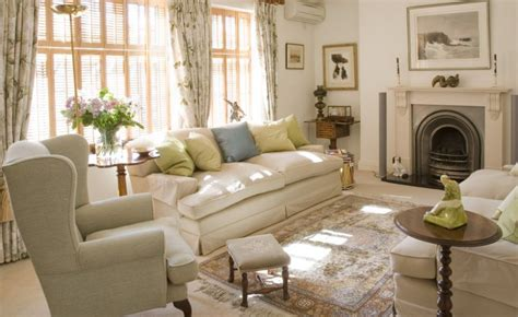 English Style Interior Design  Rigor And Comfort