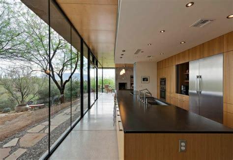 cuisine bois et noir cuisine et bois un espace moderne et intrigant