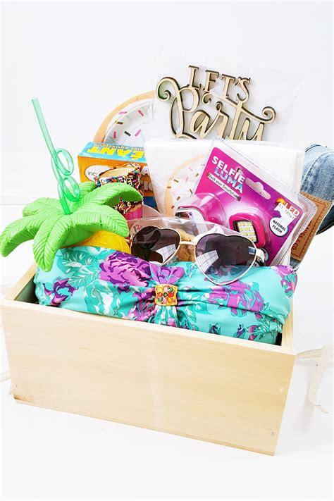 Backyard Gifts by Diy Bbq Backyard Pool Hostess Gift Box My
