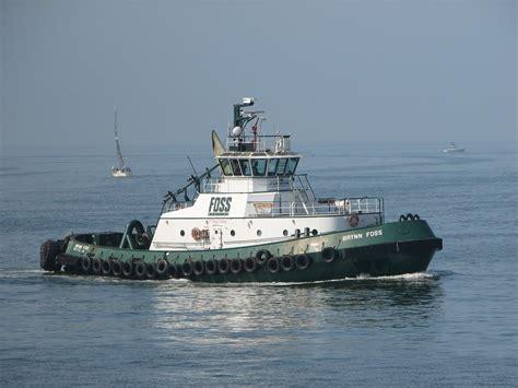 File:Brynn Foss tugboat.jpg - Wikimedia Commons