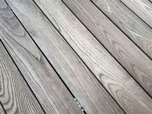 Holz Künstlich Vergrauen : thermoesche thermokiefer bs holzdesign ~ Frokenaadalensverden.com Haus und Dekorationen