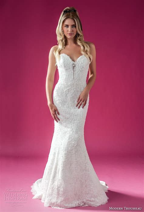 Modern Trousseau Fall 2018 Wedding Dresses  Wedding Inspirasi. Elegant Maxi Wedding Dresses Plus Size. Casual Wedding Sundresses. Princess Wedding Dresses Cardiff. Casual Wedding Dresses For Hawaii. Gold Belts For Wedding Dresses. Designer Wedding Dresses Brands. Trumpet Mermaid Wedding Dresses Uk. Wedding Guest Dresses England