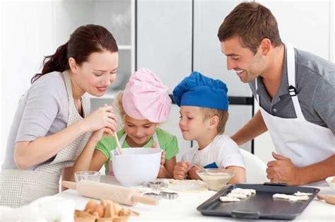 famille cuisine apprenez à cuisiner en famille grâce à un cours de cuisine