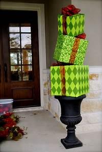 diy outdoor christmas decorations DIY Outdoor Christmas Decorating! | The Garden Glove