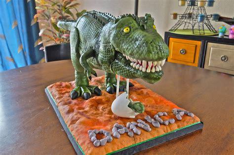 rex dinosaur cake  dinosaur   cake