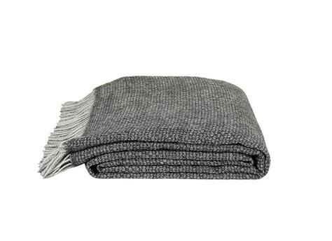 plaid canapé 65 idées déco pour accompagner un canapé gris