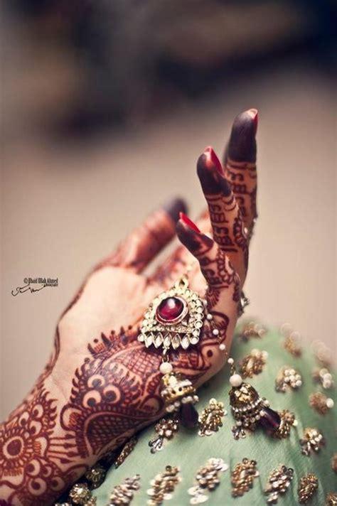 bridal mehndi hands  bangles photography xcitefunnet