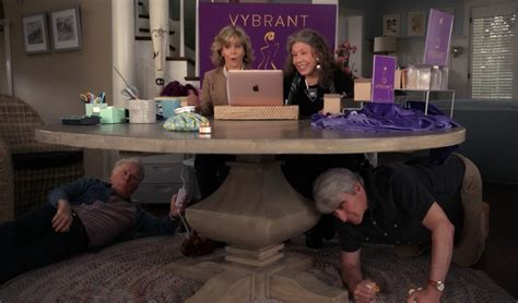 14 Feel Good Moments From Grace And Frankie Season 3