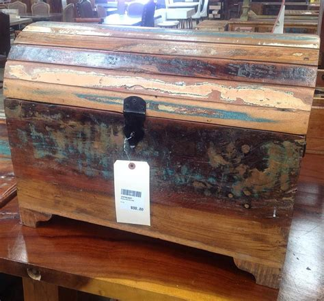 reclaimed wood chest good  storing items  blankets