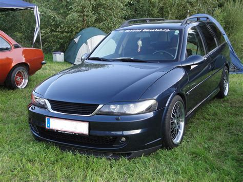 opel vectra b 2001 opel vectra b caravan pictures information and