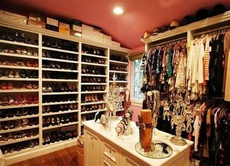 closet i want shoes walk in image
