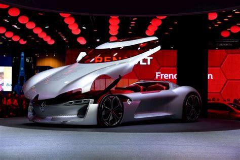 Mondial De L'auto De Paris  En Images, 70 Ans De Voitures