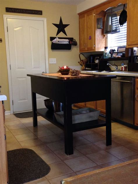 primitive kitchen island pin by the old mercantile on prim kitchens pinterest