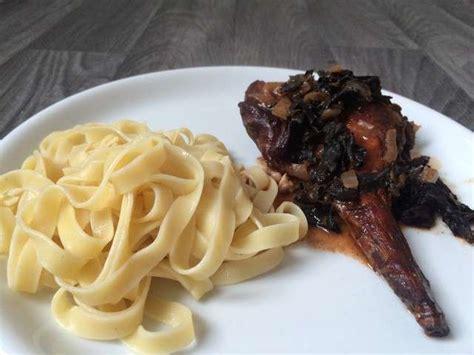 cuisine lapin recettes de trompettes de la mort et lapin