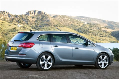 Opel Astra Estate by Carscoop New Opel Astra Sports Tourer Unveiled Should