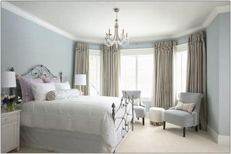 photo des chambre a coucher deco chambre interieur ajouter des fauteuils dans ta