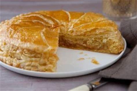 recette galette des rois pate d amande recettes galette des rois par l atelier des chefs