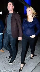 Taylor Swift Kate Upton And Amanda Seyfried Attend NY