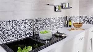 carrelage mural de cuisine comment faire le bon choix With carrelage adhesif salle de bain avec guirlande led interieur deco