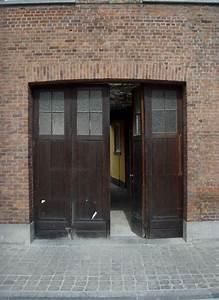 Isoler Une Porte De Garage : porte de garage pliante ~ Dailycaller-alerts.com Idées de Décoration
