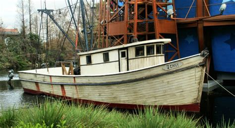 Shrimp Boat Forrest by 28 Interesting Facts About The Forrest Gump You Never