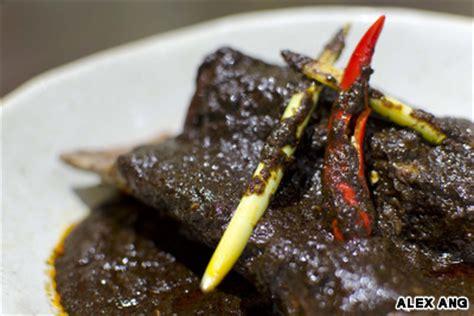 eat peranakan food  singapore cnn travel
