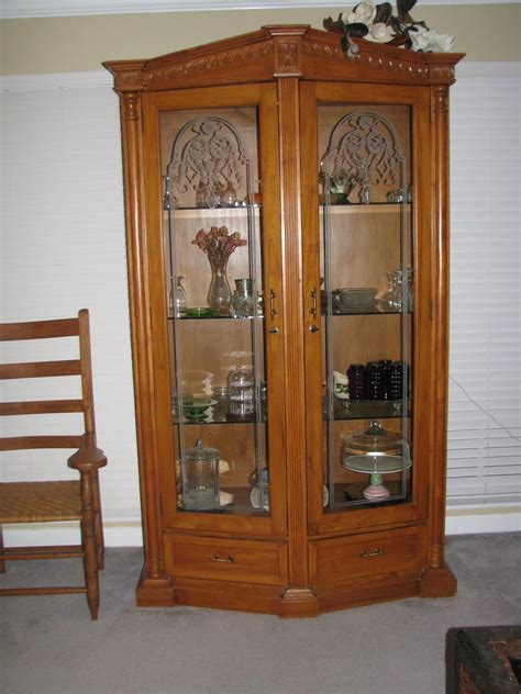 woodwork plans  projects  curio cabinets plans