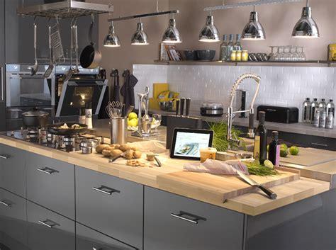 cuisine plan de travail en bois aménagement de cuisine les erreurs à éviter travaux com