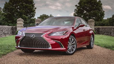 lexus es  drive review    key ways