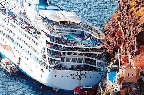 cruise ship sinking santorini technical of crete alert from the sea