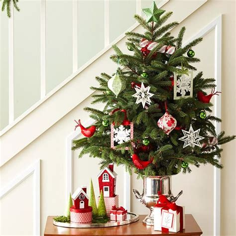 fascinating christmas decorating ideas  small spaces