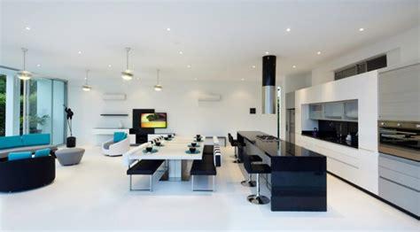 cuisine poggenpohl maison contemporaine blanche avec intérieur blanc
