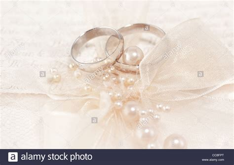 pair  golden wedding rings  invitation card
