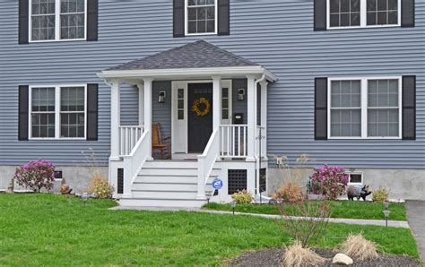 Traditional Homes with Front Porch